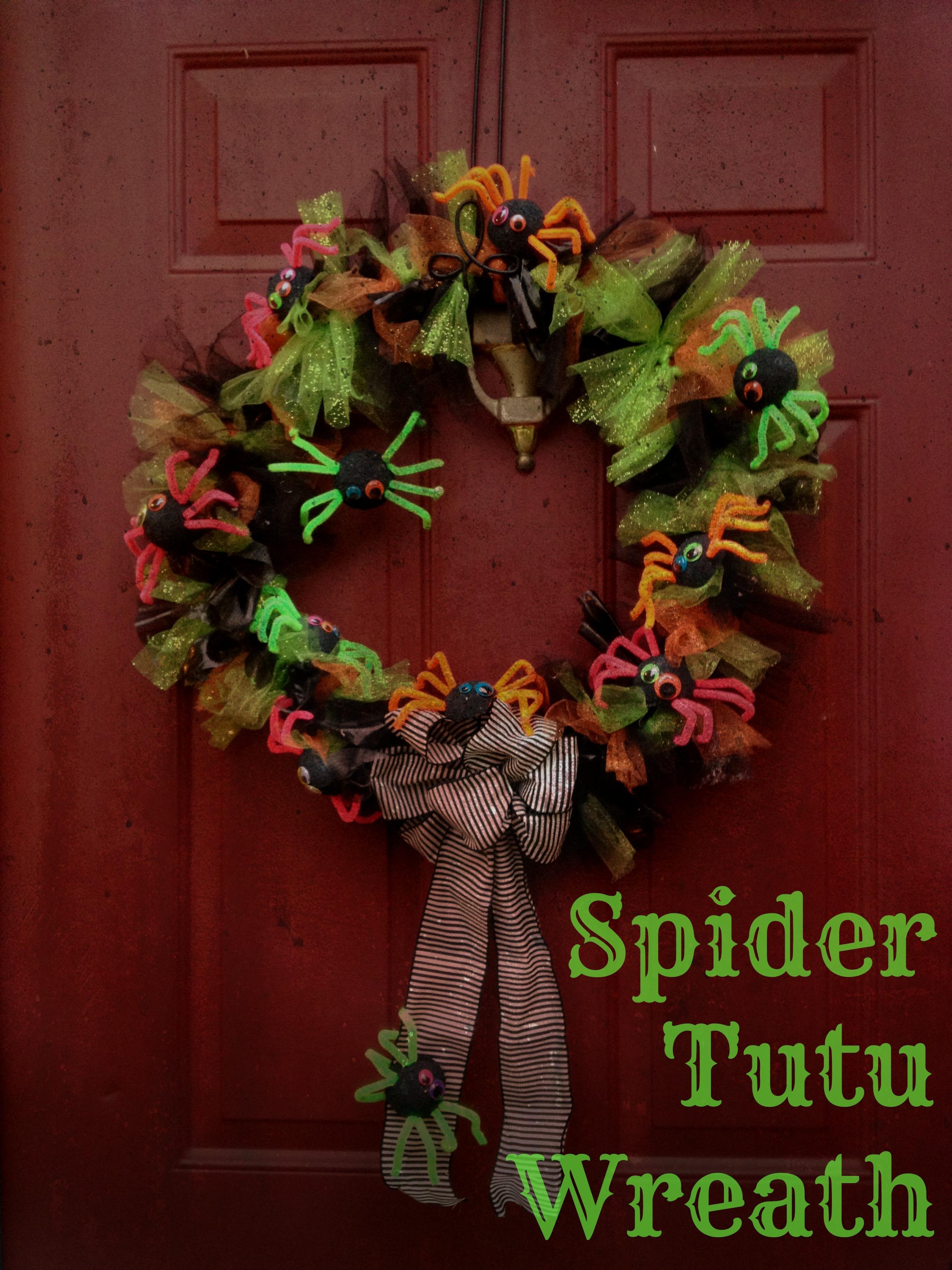 spider tutu wreath a halloween kid friendly craft - Kid Friendly Halloween Decorations