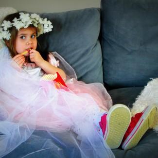 Video tutorial with Sam: Child's flower bridal veil