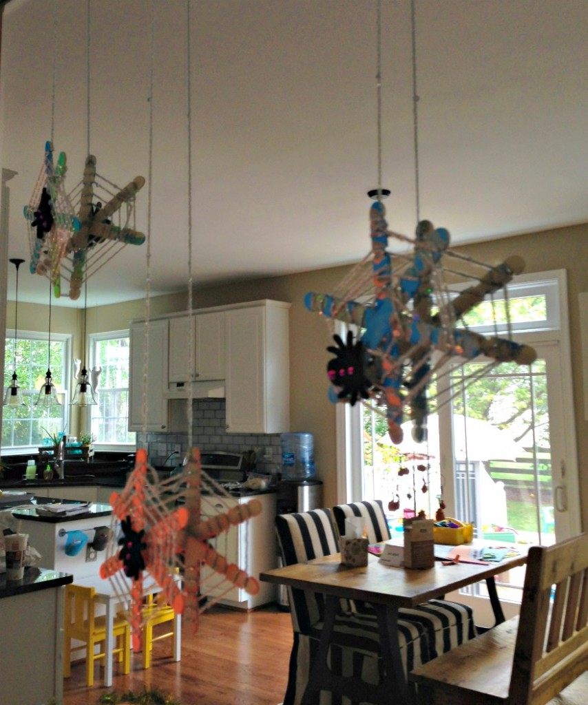 Kid Craft: DIY Glow in the Dark Spider Web by Little Pink Monster