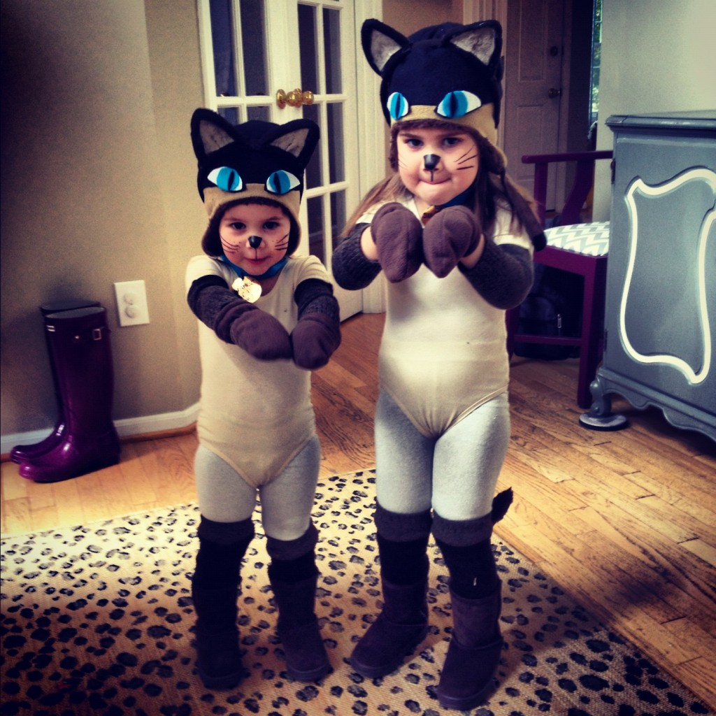 halloween diy costume siamese cats:: by little pink monster