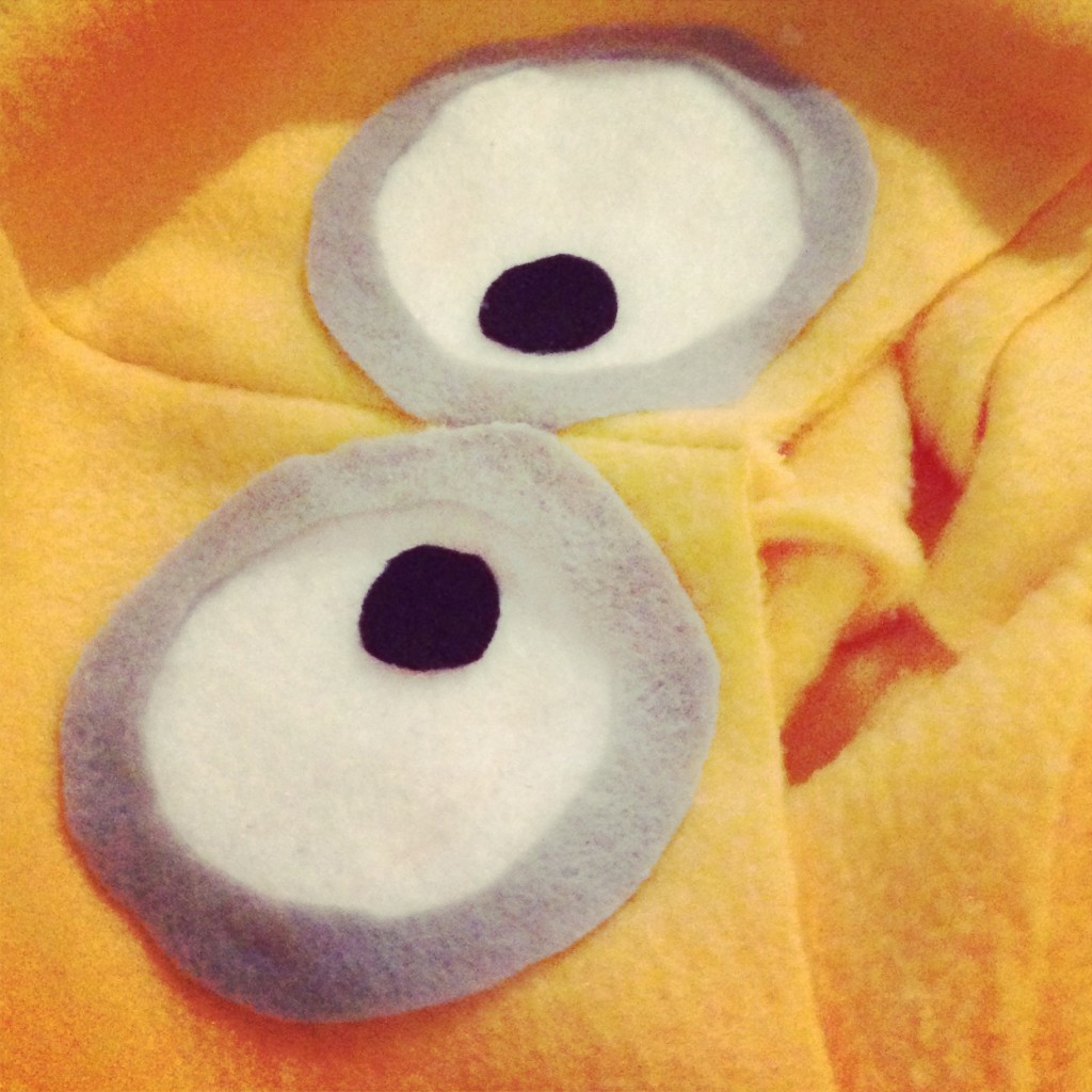 Halloween DIY Minion Costumes:: by Little Pink Monster