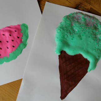 Kid Craft! How to make your own puffy paint