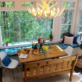 My Good Nook :: DIY built-in kitchen banquette bench