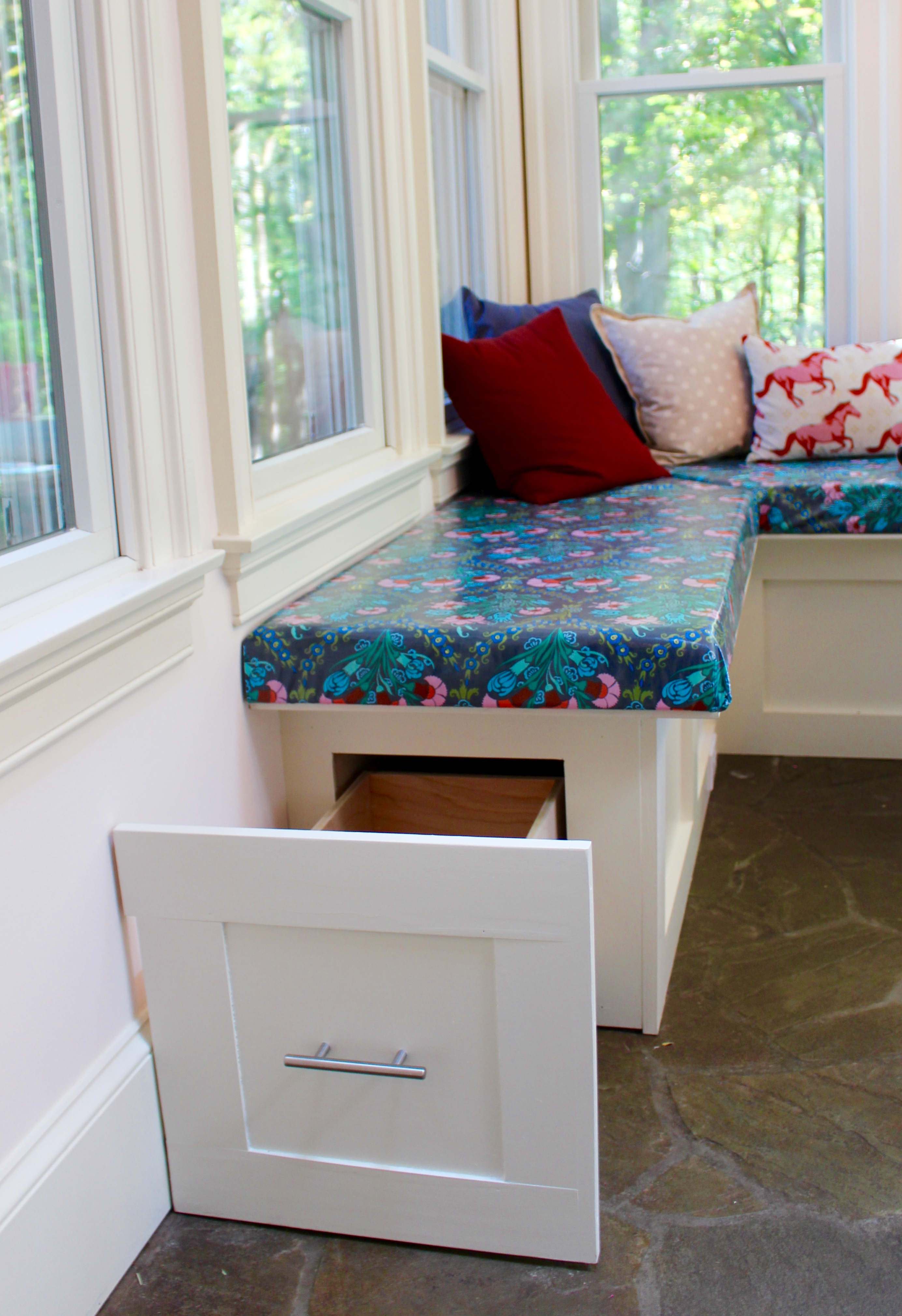 My good nook diy built in kitchen banquette bench - Kitchen bench diy ...